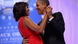 Bei einer festlichen Parade und einem Ball in Washington ließ sich das US-Präsidentenpaar von seinen Anhängern feiern. Geschätzte 800.000 Menschen besuchten das Spektakel in der US-Hauptstadt.